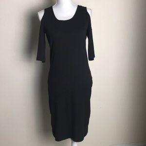 Black maxi dress size L | dress opened shoulders